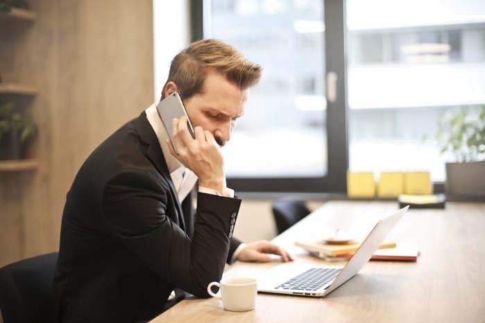 assistenza clienti eshop e comunicazione per risolvere problemi